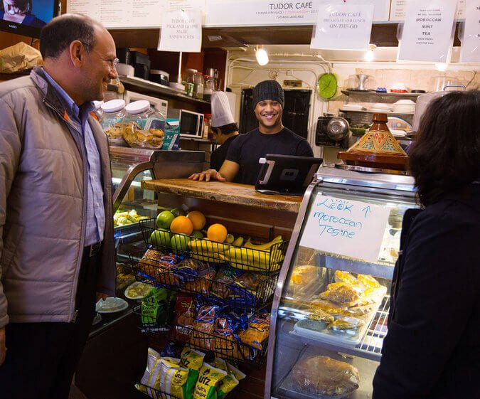 Weight Loss Blogger Hashi Mashi Discovered in Tudor Cafe by the New York Times